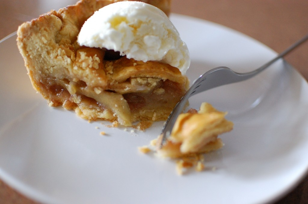 Deliciously Perfect Apple Pie & Crust
